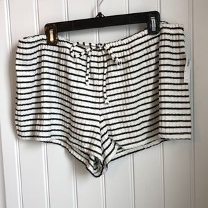 BNWT Old Navy lounge shorts